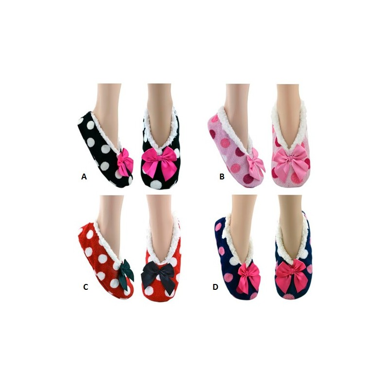 9b503a1926c1b Les chaussons pour femme Furry en peluche et couleurs douces.